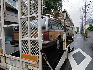 積載車に積まれるBuick Regal Wagon